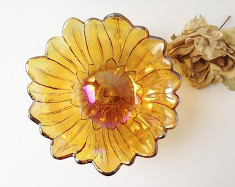 Vintage Carnival Glass Bowl / Glass Bowl / Marigold Glass Bowl / Orange Glass Bowl / Art Glass Bowl / Vintage Glass Decor