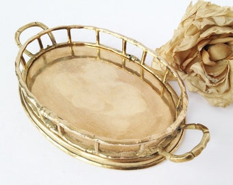 SPRING SALE Brass Oval Tray with Bamboo Edge and Handles / Brass Tray / Vanity Tray / Brass Vanity Tray / Vintage Brass Tray / Vintage Tray