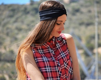 Turban of black tie made in Spain. Black bow turban headband made in Spain.