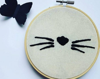 Black Cat on embroidery hoop embroidery