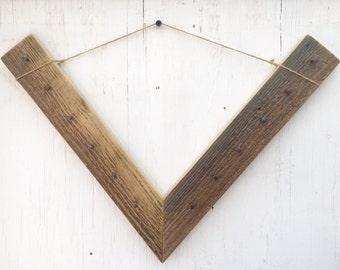 V - Jewelry Hanger