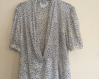 90s vintage floral top size small/medium