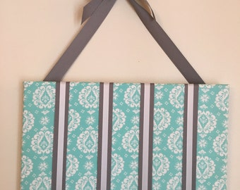 Aqua/Gray Bow Holder