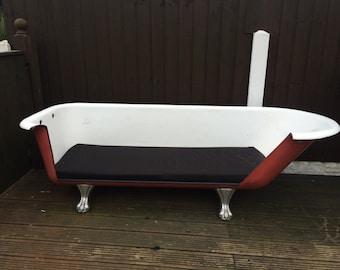 Cast iron bath sofa