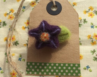 Tiny needlefelt flower brooch