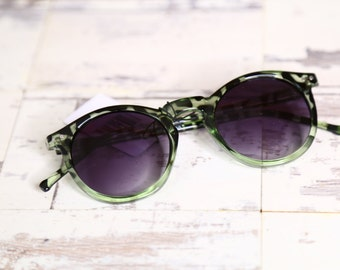Green spotted Sunglasses