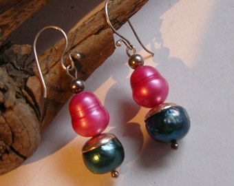 Hanging earrings - very sweet of real pearls