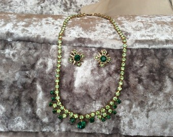 Vintage Emerald Green and Peridot Glass Necklace and Earring Set Jewellery