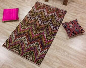 items similar to pink kilim rug with stripes hand made jijim carpet turkish kilim area rug 7. Black Bedroom Furniture Sets. Home Design Ideas