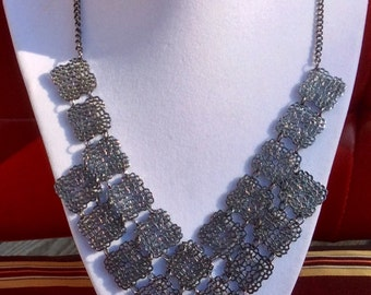 Gorgeous Vintage Silver Tone Chainmail Bib Necklace