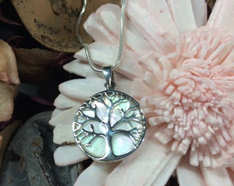 Pendant Necklace with mother of Pearl tree of life