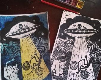 Aliens by bike | Illustration | Print linografica Linografia | Aliens on bike | Linoprint illustration