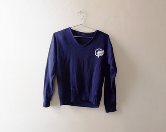 Fitted V-Neck 70s Sweatshirt