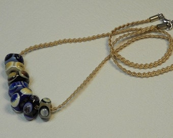 Necklace, ras of the neck in braided Ribbon Mokuba, beige, with 7 glass square beads, decorated with points, lavender, Navy, ivory, PuTTY, black
