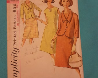 1960's Simplicity #5827 size 16 year  CUT