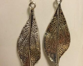Drop leaf earrings