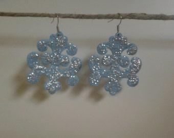 Earrings made with pressed sponge