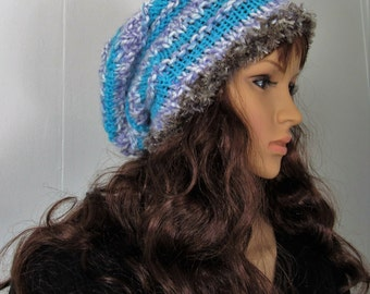 Knitted striped slouchy beanie.