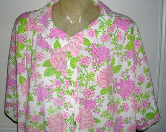 vintage original 1960's pink floral print pocketed and Peter Pan collared womans house robe by J C Penney size: medium