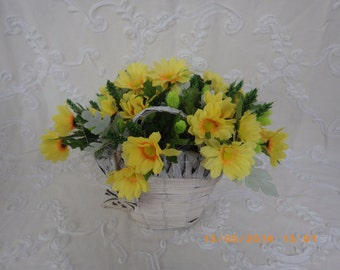Yellow daisies basket and dry flower