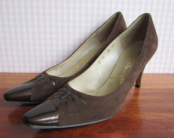 Vintage 1960s Diamant Stilettos Pumps High Heels Brown Suede Patent Leather Pointy Toe Mad Men Mid Century Modern Wiggle Dress Pencil Skirt