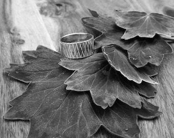 Silver Ring with crossed line design