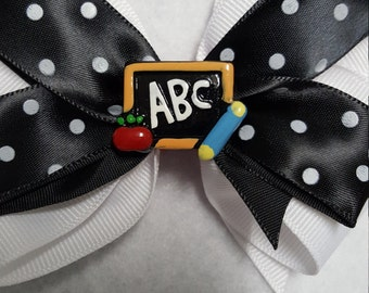 Back to school hairbow, girls back to school bow, girls ABC hairbow, Girls school hairbow, Polka Dot Hairbow, Apple hairbow, Toddler hairbow