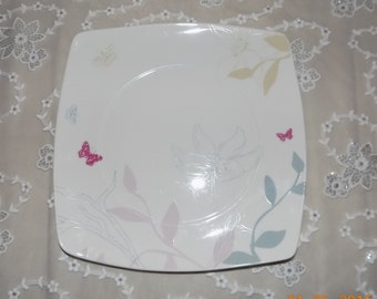 Plates, dinner plates