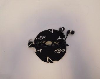 Music note ear phone case, earphone organizer, handbag tidy, handbag organizer, music lover, musician, keychain