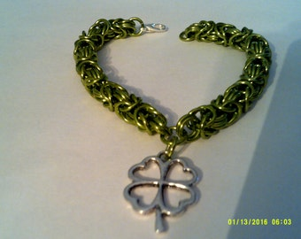 chainmaille bracelet with clover charm