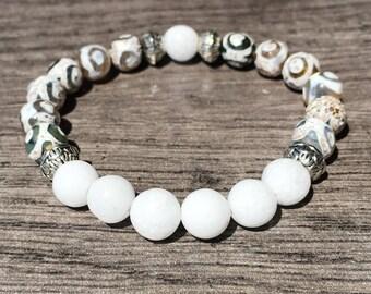 Agate & White Jade Gemstones Beaded Bracelet