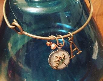 Queen Anne's lace bracelet