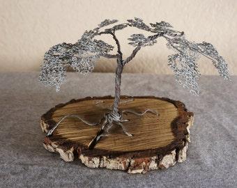 Metal Leaf Wire Tree