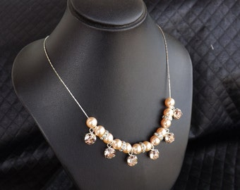 "925 Silver necklace Swarovski pearls ""Peach"" and cabochon ""Vintage rose"""