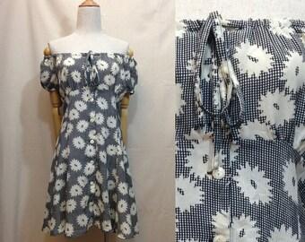 "Summer dress, XS / S ""Jennifer"" floral print 2 way vintage dress, black and white tiered off shoulder dress, us size 4 6, chic 90s clothing"