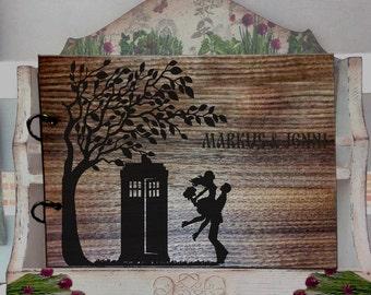 TARDIS Guest Book Wood, Doctor Who guest book alternative, Custom Wedding guest book, Rustic Wedding Guest Book guest book wedding L2-04-002