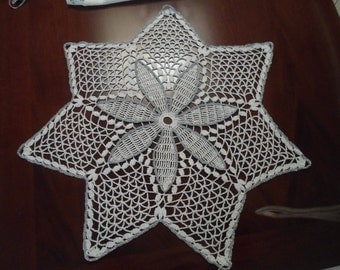 crocheted stars for a romantic Christmas