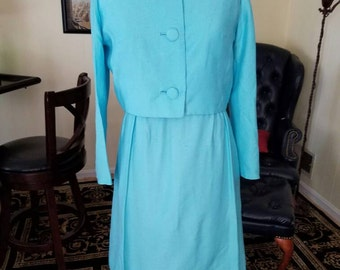 Teal blue vintage wiggle dress and jacket. Mad men-style perfect for summer office to evening