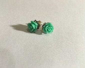 Green Flower Earrings ( FREE SHIPPING)