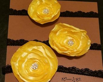 3 yellow lollipop flowers set