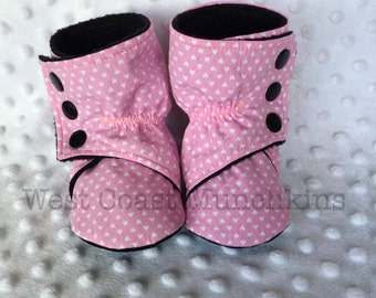XS Pink Hearts Baby Booties