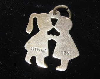 Sterling silver 'kissing cousins' charm/pendant - Stamped '925'
