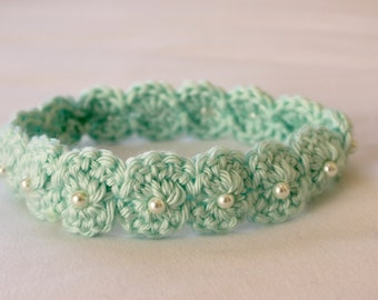 Crochet Scalloped Headband