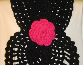 Black scarf with a rose (pink fushia)