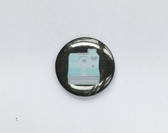 Poloroid Camera Flair Badge