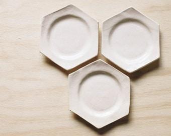set of 3 honeycomb ceramic dishes