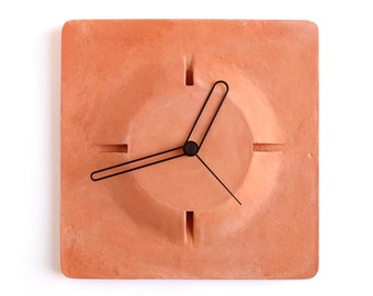 Terracotta wall clock - Aim clock red