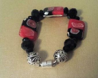Red Black Glass Beaded Bracelet