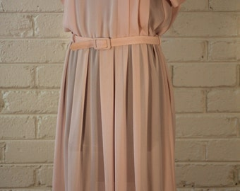 1970'S soft pink Sundress with pleated detail and matching belt