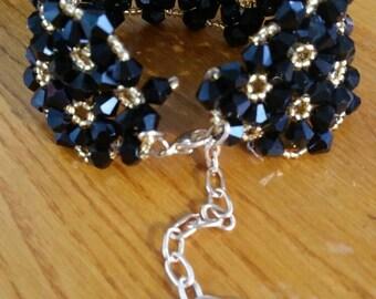 Handmade bicon bracelet black-gold